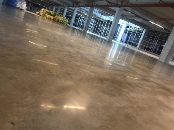 Dịch vụ đánh bóng sàn bê tông tại TPHCM chuyên nghiệp, nhanh chóng